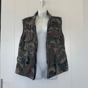 💥 Camouflage (Camo) Utility Vest with Drawstring